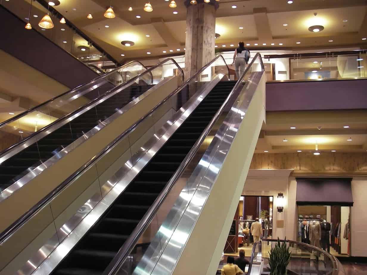 modern-shopping-mall-126183