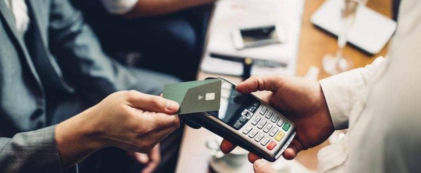 contactless-card-payment-74484201-825x340