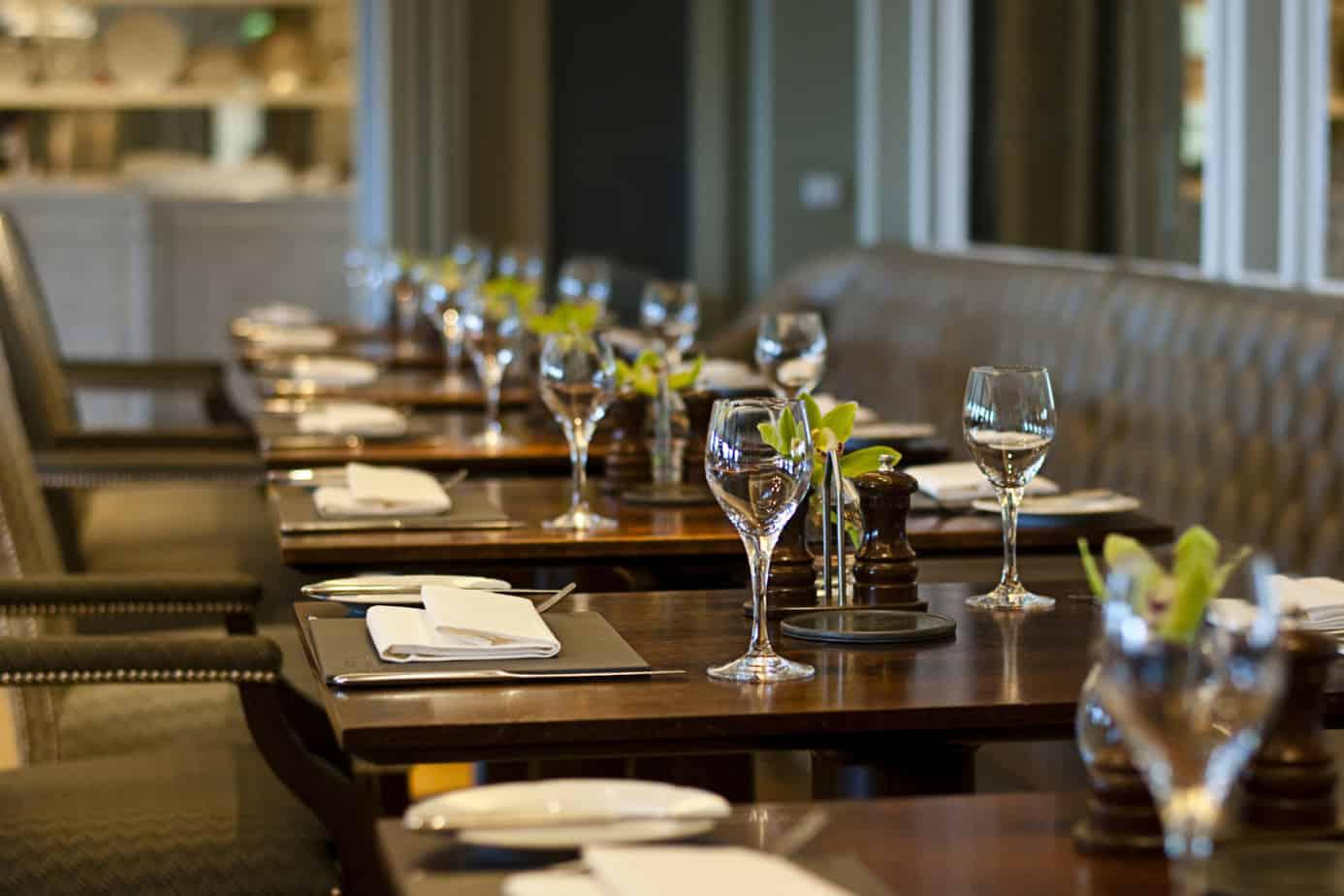 cozy restaurant 39875776